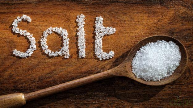5低钠食品和技巧,以减少食盐摄入