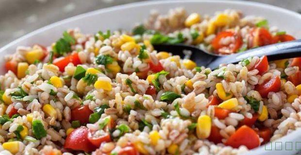 学习如何制作大麦沙拉(大麦沙拉食谱)